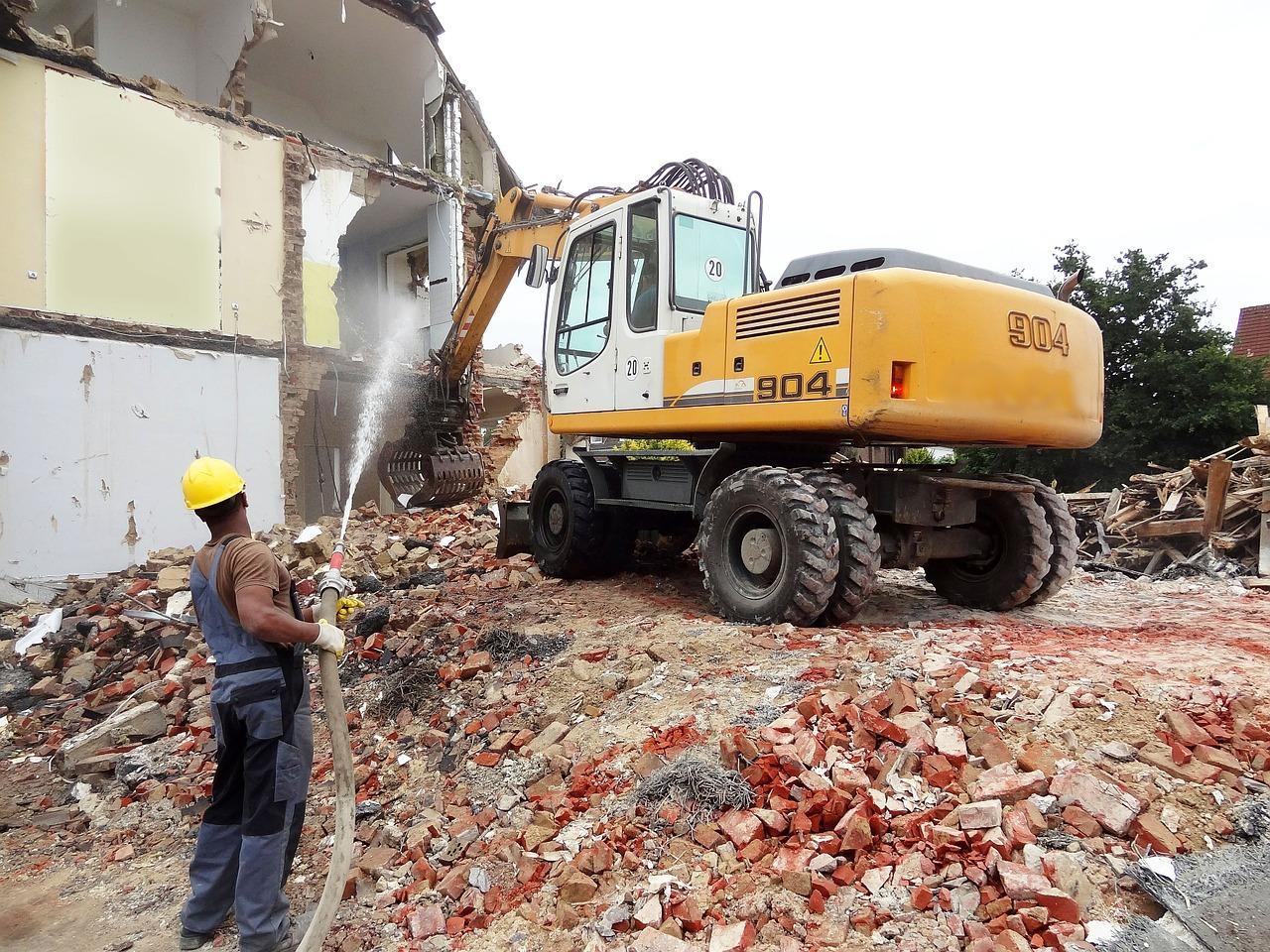 nedrivningsfirma river huset ned