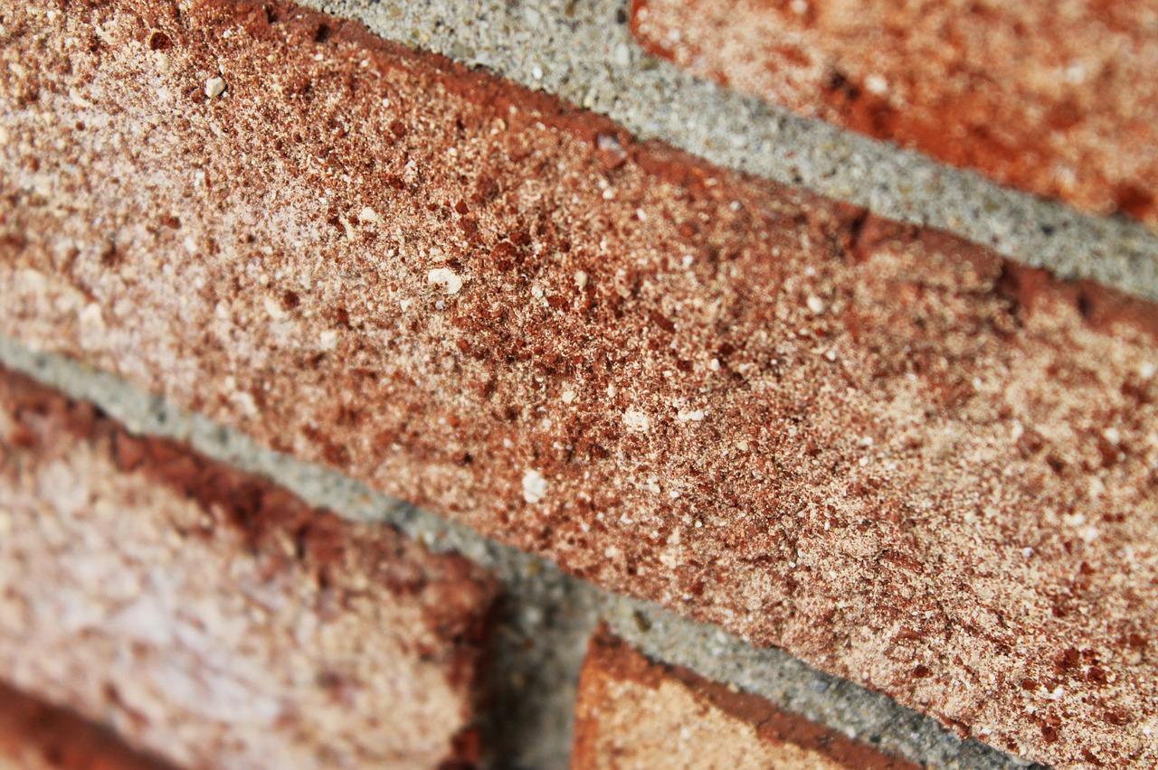 udkradsning af fuger i mursten